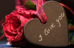 Häufig scheut man sich davor Ich liebe dich zu sagen bwz. i love you auf Englisch, wenn man sich seiner Gefühle für den anderen nicht sicher ist oder sie nicht erwidern kann.