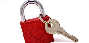 Den Schlüssel zum Herzen wieder erlangen, auf Englisch key to the heart.