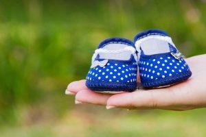 Die Jungfrau hat schon während der Schwangerschaft die ganze Babyausstattung geplant mit Kinderschüchen etc.