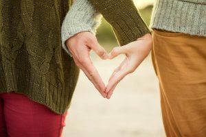 Wie man beim ersten Date am besten auf den anderen wirken kann.