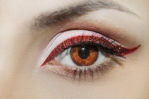 Was man beachten sollte beim Augenbrauen-Zupfen
